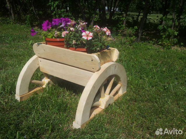 Подставка для цветов из дерева для сада