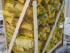 Колотые дрова сухие в сетках