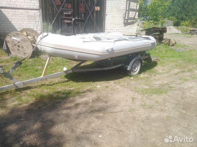 Продам лодку Ниссан Маран
